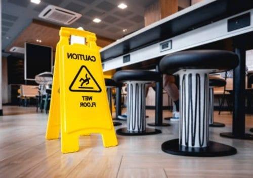 Trabajo de mantenimiento en restaurantes