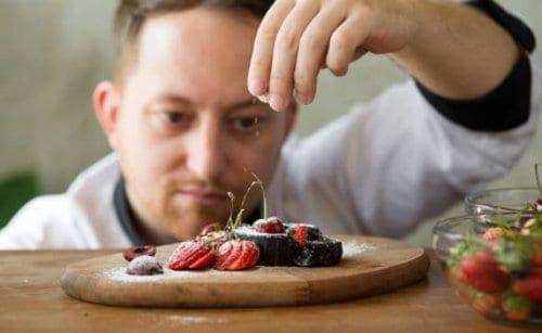 trabajo de cocinero o chef en restaurantes