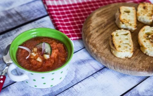 Gazpacho una de las recetas de la comida española