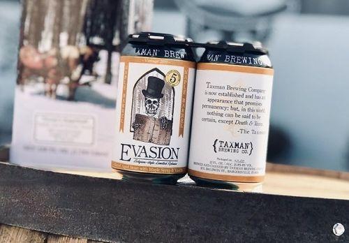 par de cervezas en lata Taxman Brewing Company Maple Vanilla Evasion 2019 Estados Unidos
