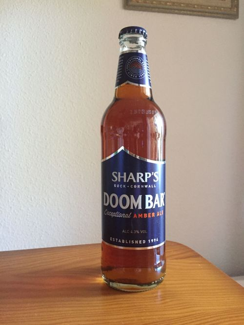 botella de cerveza premiada sharps doom bar amber