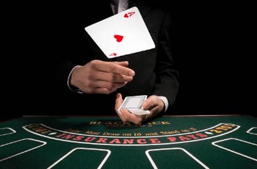 Cómo se Juega el Blackjack Americano: Reglas