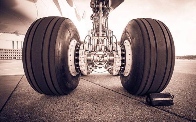 Qué es el tren de aterrizaje de un avión