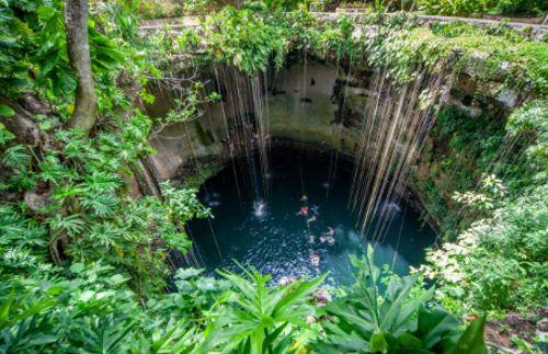 Turismo en el Cenote Sagrado