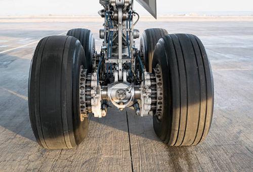 Tren de aterrizaje partes de un avion