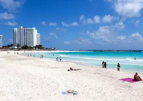 destinos turísticos de Cancún: Playa Forum
