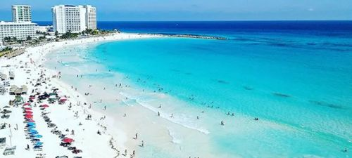 Paradisíaca Playa Chacmool en Cancún