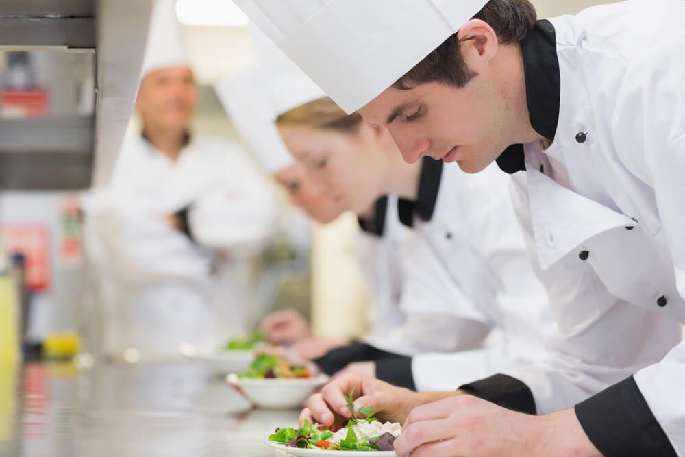 Las Funciones y el Perfil de un Chef Saucier
